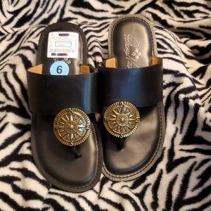 Patricia Nash black leather compass sandal size 6